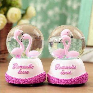Flamingo kar küresi