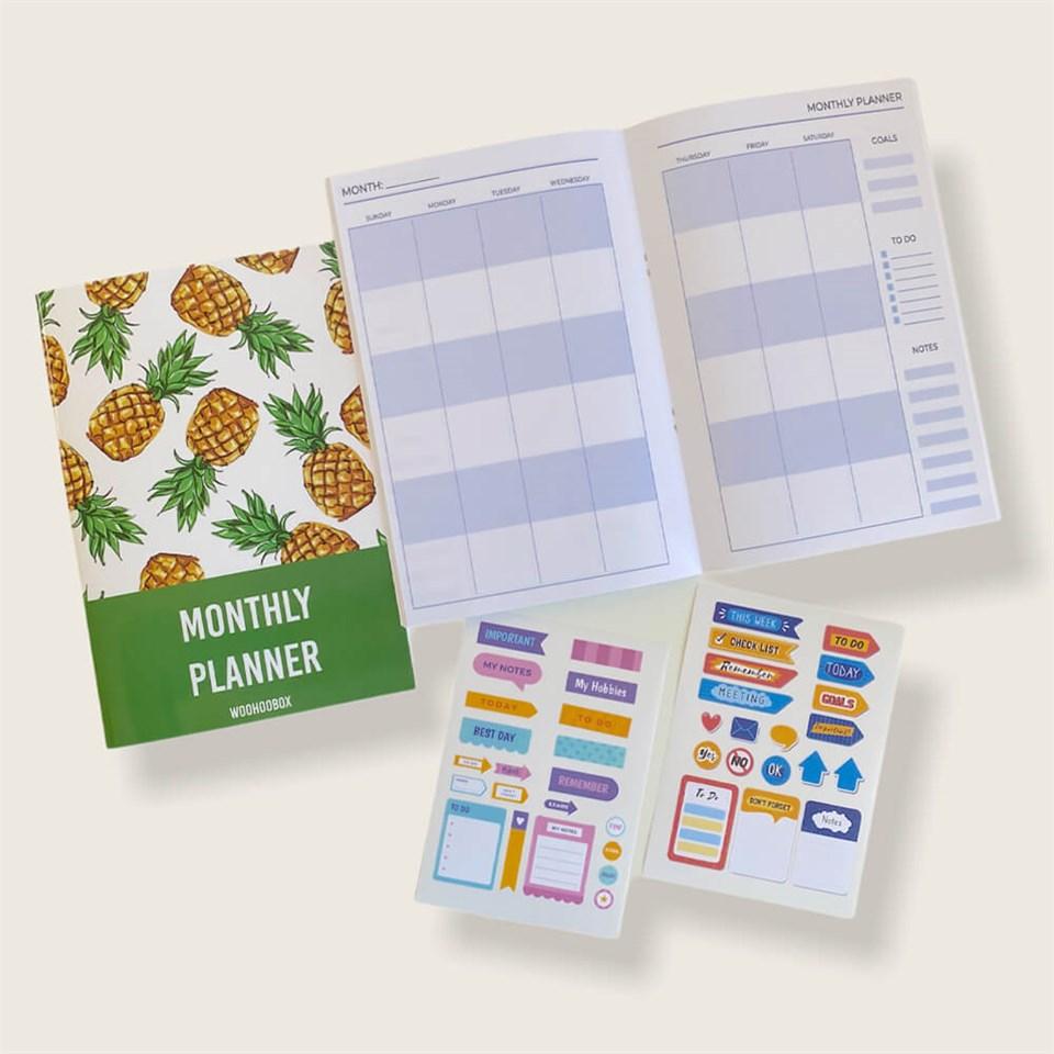 Takvimli Ananas Tasarımlı Aylık Planlayıcı Defter (Sticker Hediyeli)